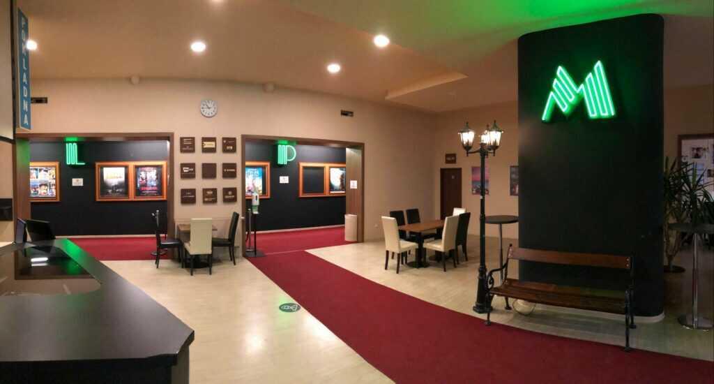 Kino Metropol začalo promítat on-line, v sále lze i